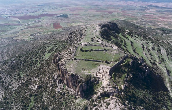 aerial view of El Molón from the east