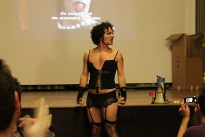 "Escena de la obra ""The Rocky Horror Picture Show"