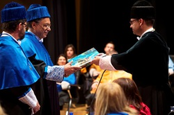 Investidura de doctor honoris causa (2)